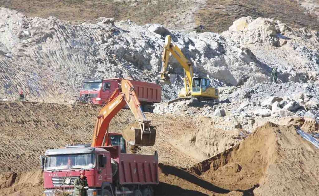 mining in Tibet