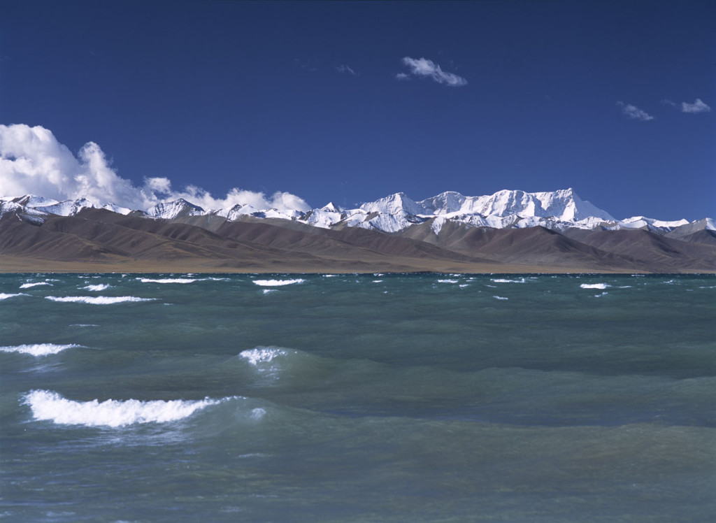 snow-covered tibetan mountain peaks